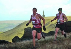 Godsman and Ellis in full flight in the run in to the finish. www.woodentops.org.uk