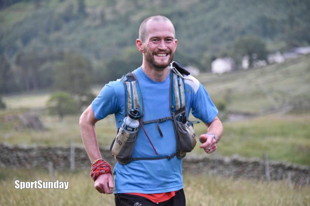 Ian Symington wins the 10 Peaks race 2016