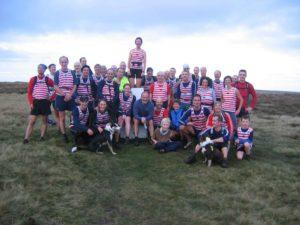 calder-valley-fell-runners-at-high-brown-knoll-highest-poin