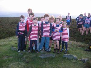 calder-valley-juniors-at-sheepstones-edge-high-above-mythol